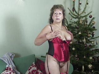 зрелые женщины с маленькой грудью порно