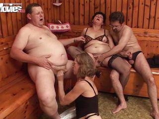 Домашние порно втроем