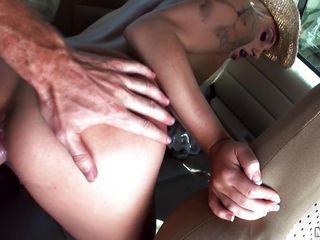 Анальный секс между женщинами