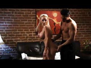 Смотреть порно ролики с натуральной грудью
