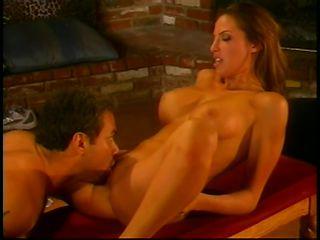 Красотку жестко ебут порно