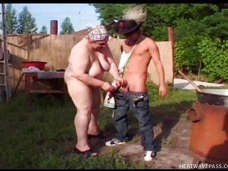 Секс в бассейне смотреть видео