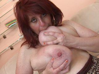 порно со зрелой с огромной жирной жопой