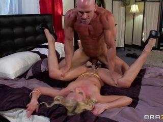 Порнозвезды в теле