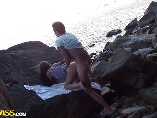 Скачать видео на пляже