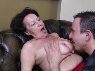 Пока жена смотрит порно