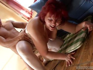 Рыжая красавица порно