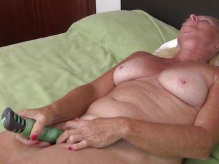 Снял на видео оргазм жены