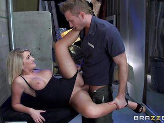 порно сучки с большими сиськами