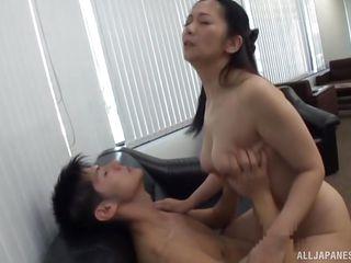 Секс с девушкой в бассейне