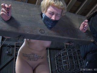 Порно с грудастой секретаршей