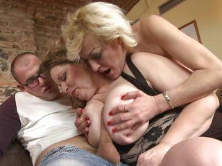 Муж на работ жена порно
