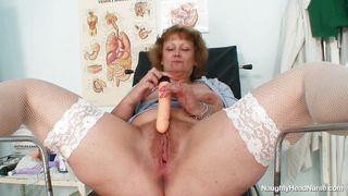порно врач трахает пациентку