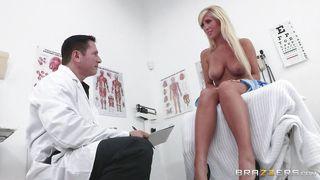 Секс с гламурной блондинкой