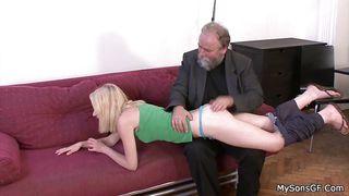 зрелые женщины на порно кастинге в анал