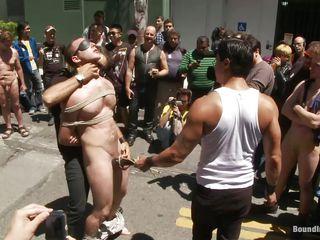 Геи на улице