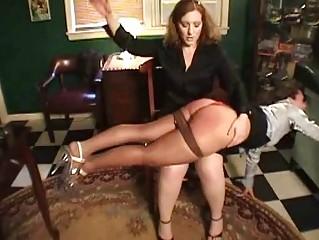 Отшлепал жену порно