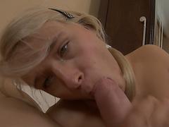 Порно показывает трусики
