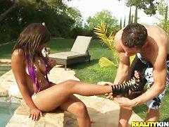 Анна семенович порно видео у бассейна мобильная