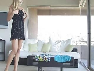 Шикарная блондинка видео